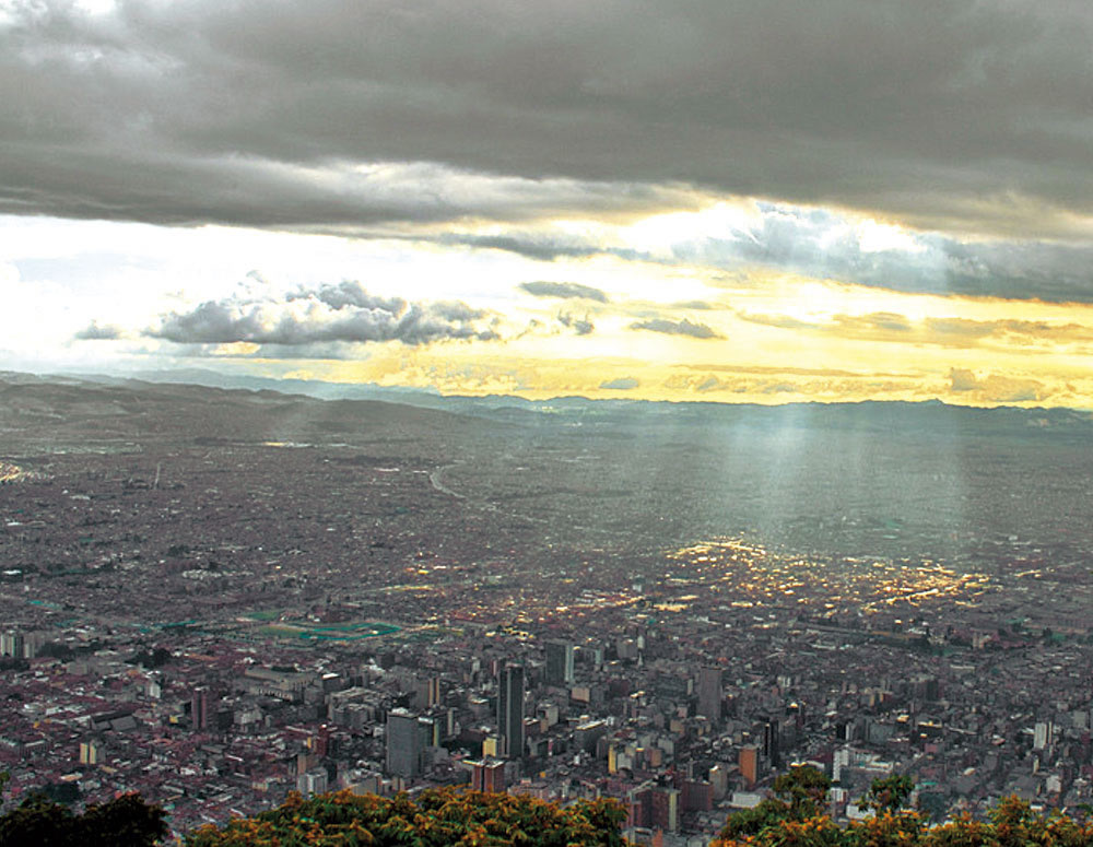 Rent a car or Suv´s and visit Bogotá