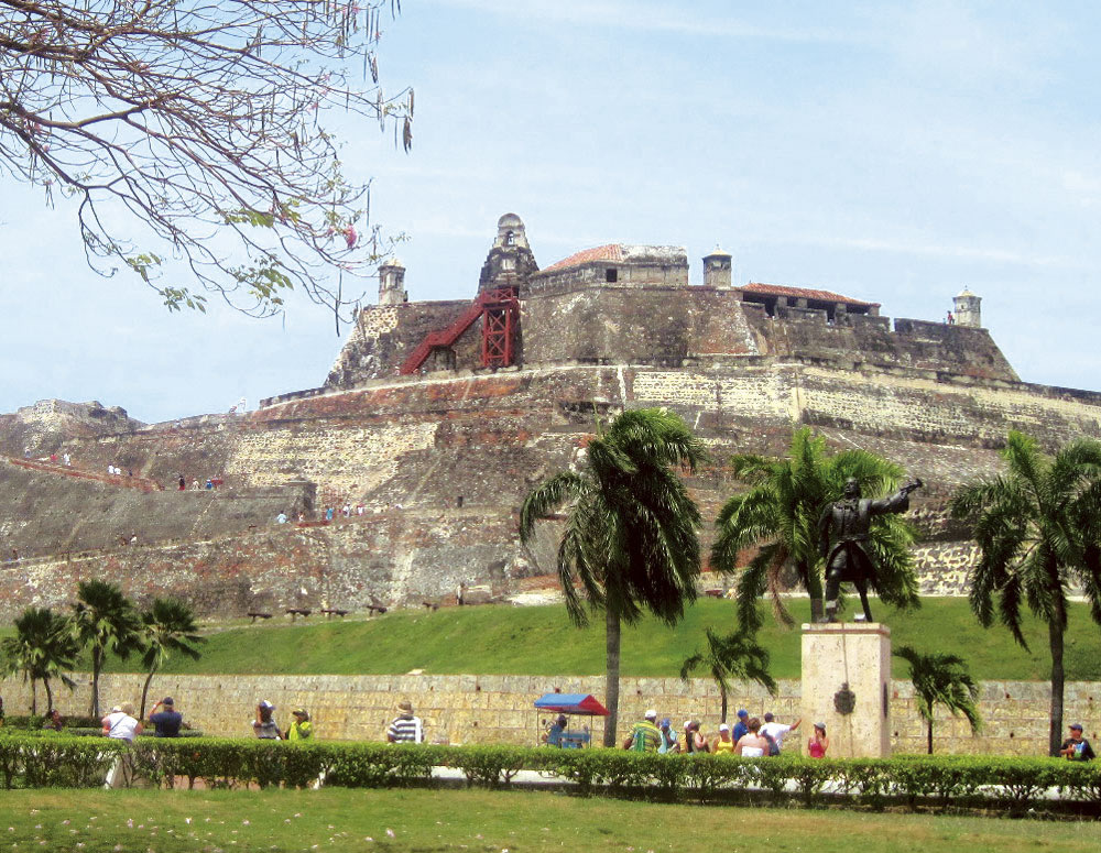 Rent a car or Suv´s and visit Cartagena