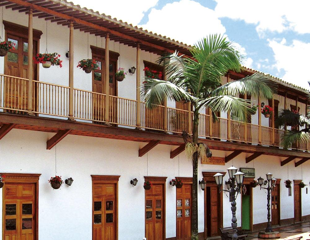 Rent a car or Suv´s and visit El Retiro